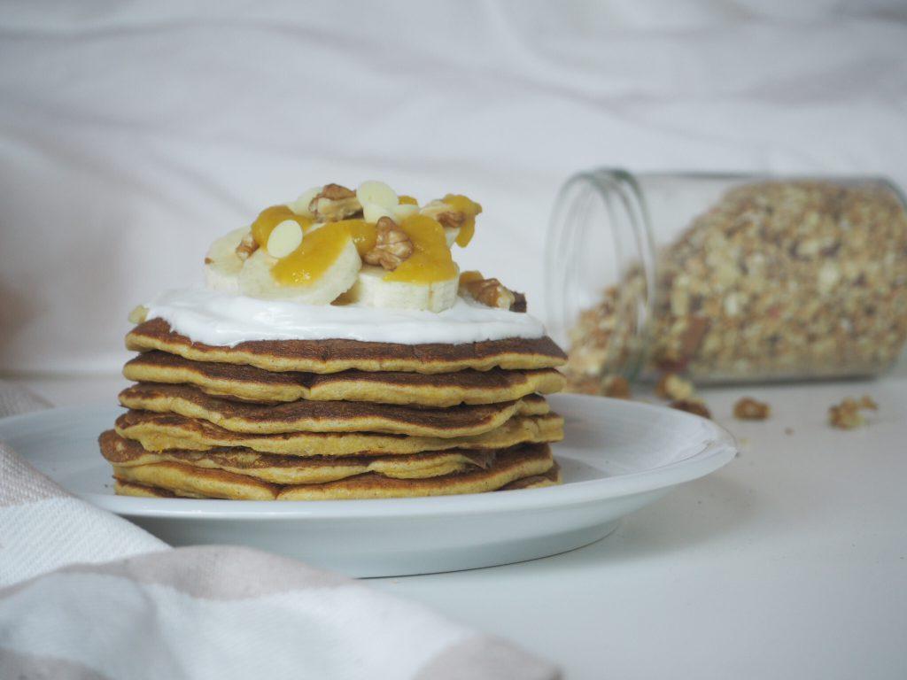 herbstliche und proteinreiche Kürbispancakes